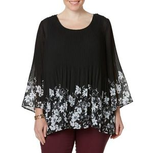 Plus Size Black/White Floral Top